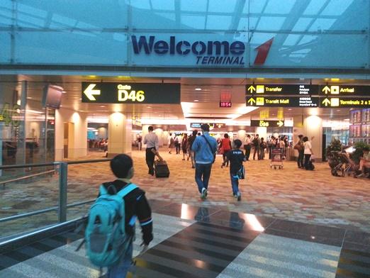 3-SingAirport-1a